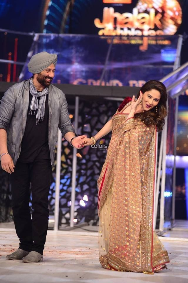 Madhuri Dixit & Sunny Deol on JDJ 6 | Bollywood celebrities, Celebrity outfits, Madhuri dixit