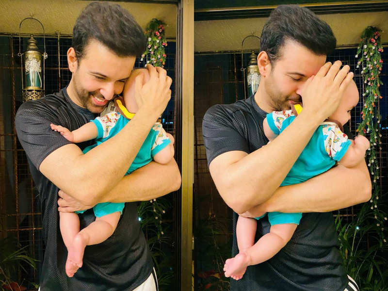 Aamir Ali and Sanjeeda Shaikh's daughter Ayra Ali turns one today; see first glimpse of the baby - Times of India